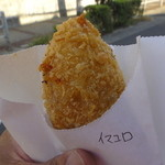 21800305 - いまむらコロッケ(牛肉のラグーコロッケ)115円・・・~ミートソースとナチュラルチーズを合わせたコロッケ~
