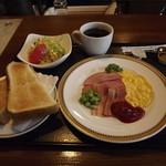 アリスの小さな森 - 料理写真:「モーニングセット」700円