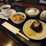 和掬び - 料理写真:「おむすび付モーニングセット」500円 h25.10.11撮影