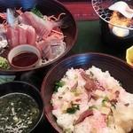 21801297 - 数量限定 海鮮炙り丼1500円
