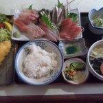 奴凧 - 料理写真:刺身定食+海老フライ