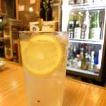 とんかつ武蔵 - レモンサワー400円
