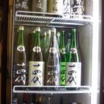 とんかつ武蔵 - 幻酒「十四代」がズラーっと!