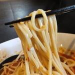 自家製麺 ほうきぼし - 麺は茹ですぎの中細ストレート麺!
