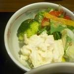 そば処 ものぐさ - 豚の角煮ランチのサラダ