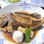 魚信旅館 - メバル煮付け