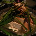 俺のもつ鍋とハンバーグの店 キセキ - キセキの塩もつ鍋(2人前)
