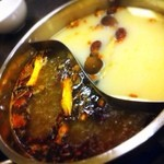 21809519 - 白湯と麻辣の火鍋