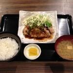 まう - ポークステーキ定食(500円)