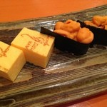 すし関 - 卵とウニ