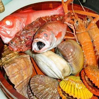 「旬」でこそ旨さ際立つ厳選魚介を、和職人の技で珠玉の一品に。