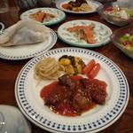ウルル - 料理写真:夕食の煮込み料理