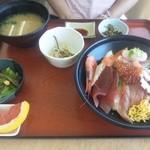 21818826 - 海鮮丼