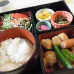 リリカル - 本日の日替わりランチ『肉団子とがんもの煮物』500円