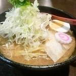 落としぶた - 魚介醤油ラーメン(680円)