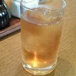 レストラン角  - ランチタイムサービスの烏龍茶