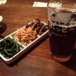 かえりがけ - 横須賀仕様の濃いホッピー黒と ナムル