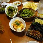 21829496 - 食放題・飲放題宴会コース2時間3,000円のコースについている、食べなければ次が出て来ないおつまみ。