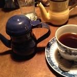 エセルの中庭 - コーヒー 青ポット
