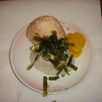 昭和ロマン おとめの台所 - これが、おとめ名物のおにぎり!誰に握ってもらおうかな・・・
