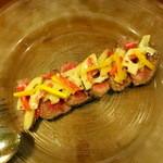 パピエドレ - 蝦夷短角牛のカルパッチョ、根菜のサラダ仕立て2,200円