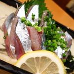寿司・居酒家 海福 天王町店 - 秋刀魚刺し480円