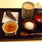 21839810 - デザートとコーヒー