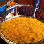 らくしゅみ - 三種のカリー(S)                             チキン                             チャナマサラ                             セロリのサンバル