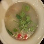 21842094 - シーフードの辛酸っぱいスープ