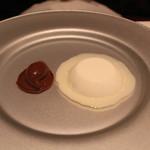 ラ・ブランシュ - アーモンドのブラマンジェ、キャラメルのアイスクリームと