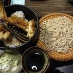21843925 - 穴子天丼ともり蕎麦のセット