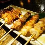 江戸や鮨八 - 焼き鳥盛り合わせ6本(鶏もも・ねぎま・とり皮・砂肝・レバ-・なんこつ)