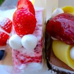 AKIRI - ベイクドチーズケーキ、ストロベリーナ、鳴門金時おいもさん ケーキハウス AKIRI アキリ 広島市南区段原