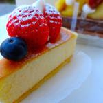 AKIRI - ベイクドチーズケーキ ケーキハウス AKIRI アキリ 広島市南区段原
