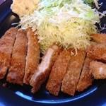 お肉の産直 ヴィラ工房 - ロースカツ定食