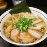 中華そば しながわ - 料理写真:肉煮干しそば950円