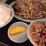 銀華飯店 - レバ野菜炒め450円+ライス150円