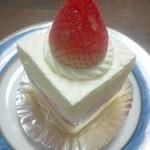 トランタン洋菓子店 - 料理写真:ショートケーキ¥346