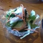 レストランれむの巣 - サイドのサラダ 野菜は新鮮