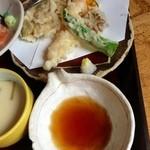 ゑびす屋 - 天ぷらももちろん揚げたてです