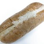 パラダイス&ランチ - ハーブソーセージのパン♪