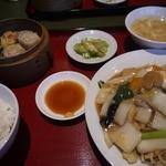 中国料理 兆楽 - あんかけ焼きそば定食