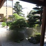 一味真 - 中庭の石庭