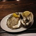 炭焼 ホルモン & 焼肉 浜幸 - 日替わりで岩がき(2人前)