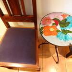ビストロボーテ - 店内装飾の椅子・テーブル