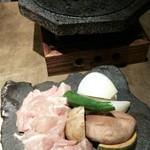 石慶 - 地鶏石焼き