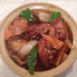 香港屋台料理  - 料理写真:美肌コラーゲンたっぷり手羽先鍋