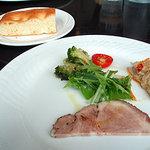 リモンチェロ - 前菜3種盛り合わせと自家製フォカッチャ(パン)