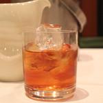 南国酒家 - 8年ものノンブレンド カメ出し紹興酒<塔牌>福(フータオ)