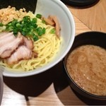 TOKYO豚骨BASE MADE by博多一風堂 - 醤油つけ麺(780円)